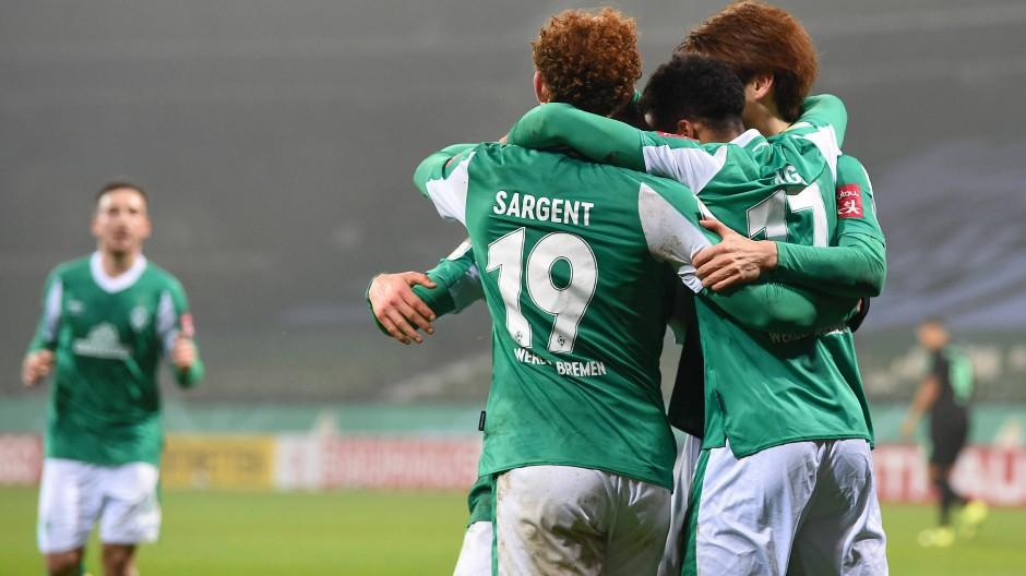 Dank an den Torschützen Agu: Werder steht wieder im Viertelfinale