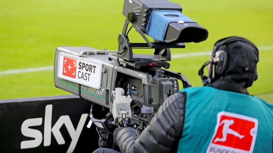 Sky überträgt die meisten Spiele der Fußball-Bundesliga live im TV.