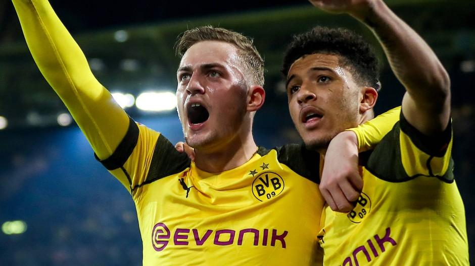 Bundesliga Borussia Dortmund Leidet Gegen Bayer Leverkusen