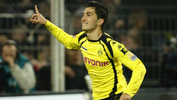 Dortmund quält sich zum Sieg