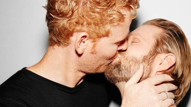 Brink küsst Reckermann