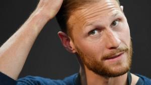 Auch Höwedes hört auf und kritisiert den Fußball