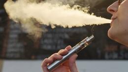 Darf ich meine E-Zigarette auch im Büro paffen?