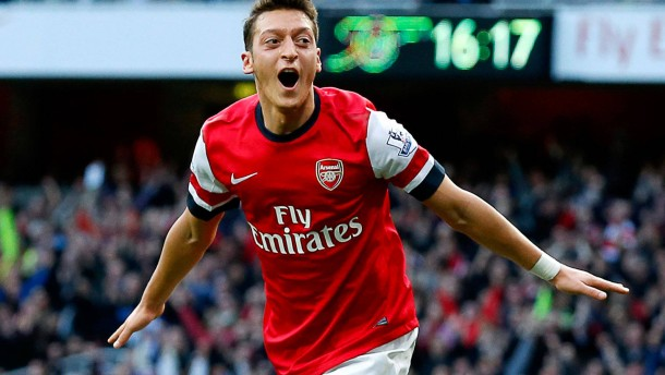 Özil verzückt Arsenal