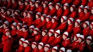 Die niedlichen Gesichter der Diktatur: Cheerleader aus Nordkorea bei der Olympia-Eröffnungsshow.