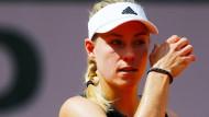 Ratlos in Roland Garros: Angelique Kerber verliert in der ersten Runde.