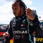 Wieder der Schnellste: Lewis Hamilton fährt in Silverstone auf die Pole Position.