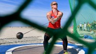 Mit Sonnenbrille am Strand: Abschied vom Hammerwerfen