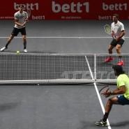 Einspielen diesmal gelungen: Alexander Zverev an der Seite seines großen Bruders Mischa.