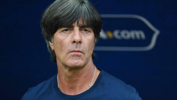 Löw bleibt Bundestrainer