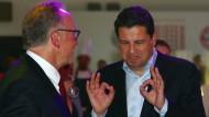 Rühmliche Ausnahme: Nur Bayern München und Vorstandschef Karl-Heinz Rummenigge Rummenigge nimmt DFL-Chef Christian Seifert (rechts) vom Rundumschlag aus