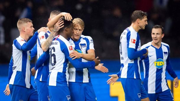 Die Hertha verdirbt Friedhelm Funkel das Jubiläum