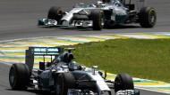 Nico Rosberg fährt vorneweg und Lewis Hamilton führt trotzdem: Das Mercedes-Duell geht in die letzte Runde