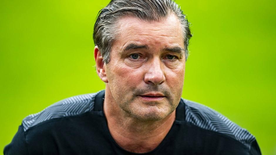 Wenn das am Ende so ausufert, können wir es auch ganz sein lassen mit der Kritik: Dortmunds Manager Michael Zorc