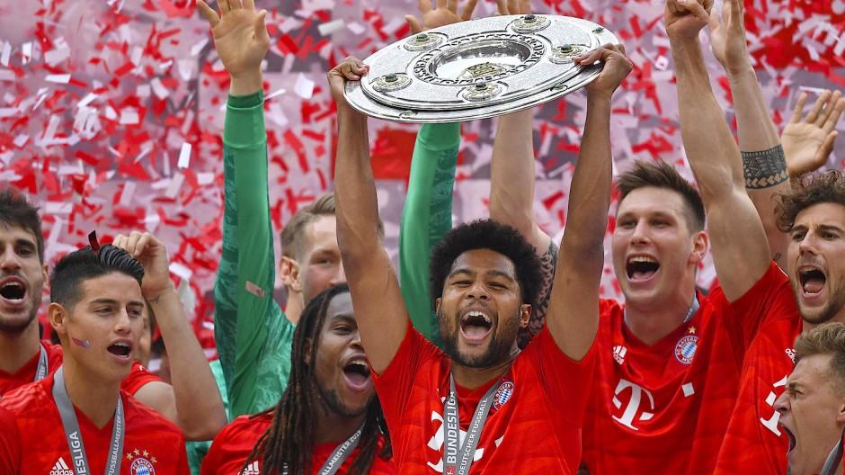 Dass die Münchner auch in diesem Mai die Meisterschale halten, ist für viele in der Bundesliga längst keine ausgemachte Sache mehr.