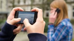 Smartphones verdrängen Handys in Deutschland