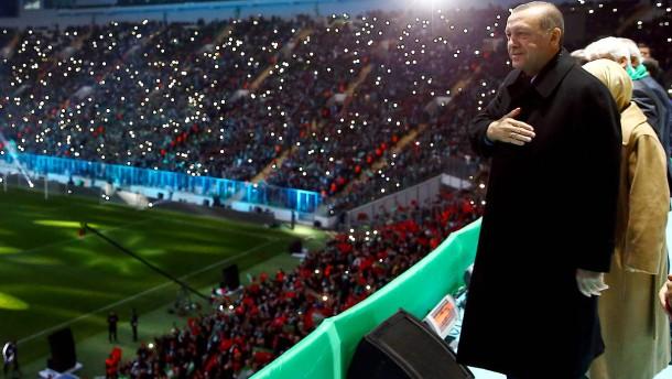 Kann sich die Regierung Erdogan eine EM leisten?