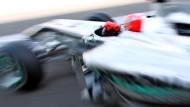 Die Gedankenfabrik kreist um den Dienstwagen 2011: Der nächste Silberpfeil muss ein Geniestreich sein