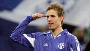 Die Verfolger aus Schalke und Hamburg gewinnen