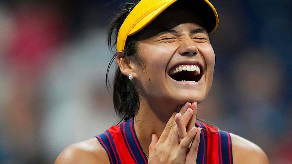 Emma Raducanu kann ihr Tennisglück kaum fassen.