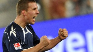 Podolski schießt Köln zum Auswärtssieg
