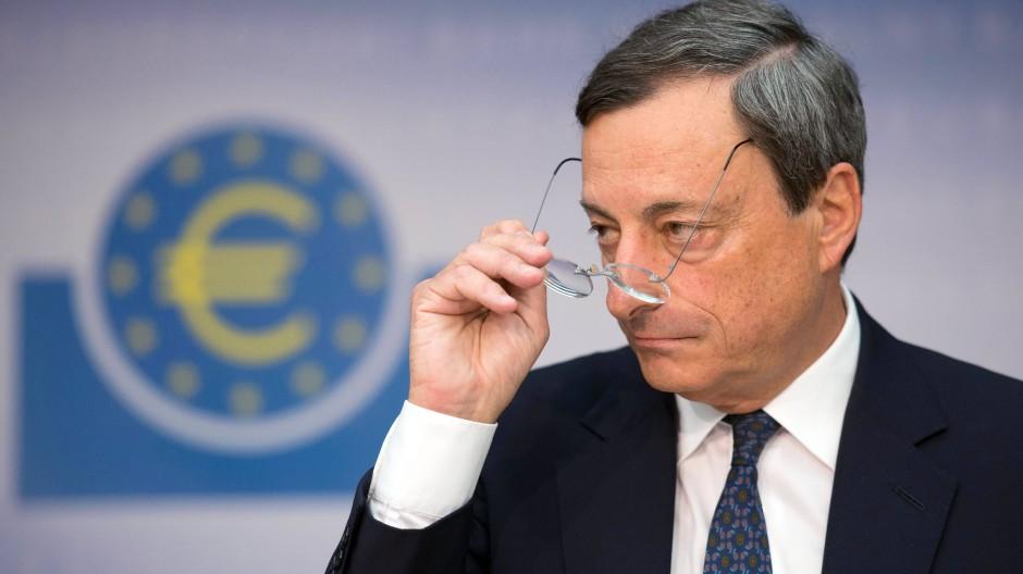 Nach der EZB-Ratssitzung kündigte Notenbankchef Draghi ein Kaufprogramm für Staatsanleihen an, das dem Volumen nach unbegrenzt ist