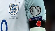 Mit Poppy und Videobeweis gegen England