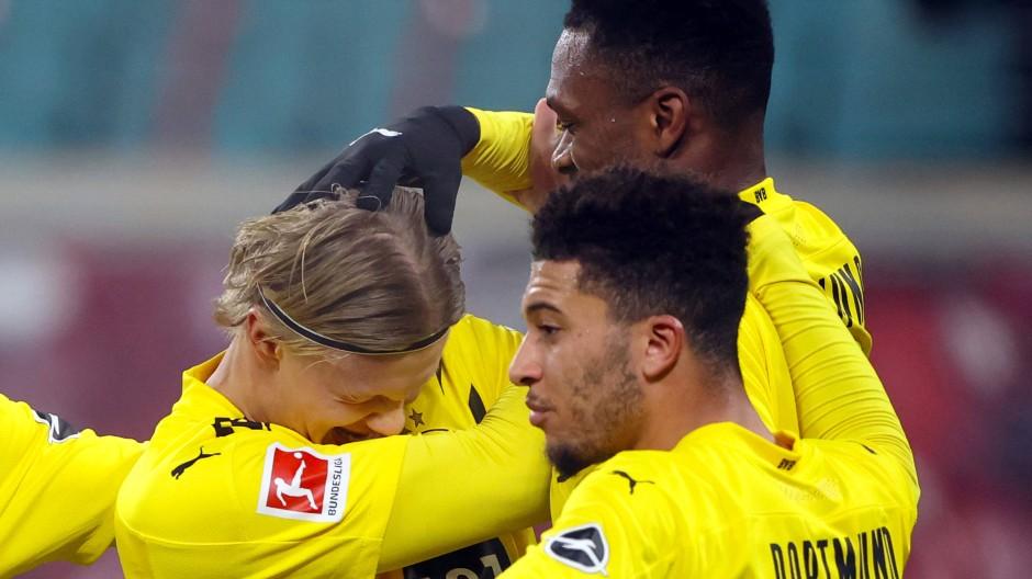 Kritik an der Haarpracht der Bundesligaprofis: Die Spielergewerkschaft VdV weist die Anschuldigungen zurück.