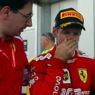 In dieser Saison noch erfolgloses Duo: Sebastian Vettel (rechts) und Mattia Binotto, hier 2019