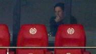 An diesen Platz muss sich der gesperrte Leverkusen-Coach Roger Schmidt vorerst gewöhnen.