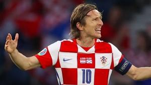 Ein Traumtor führt Kroatien ins Achtelfinale