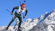 Perfekter Wintersporttag in Hochfilzen für Benedikt Doll: Platz drei im Biathlon-Sprint