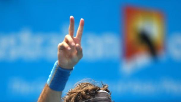 Erholter Federer locker im Viertelfinale