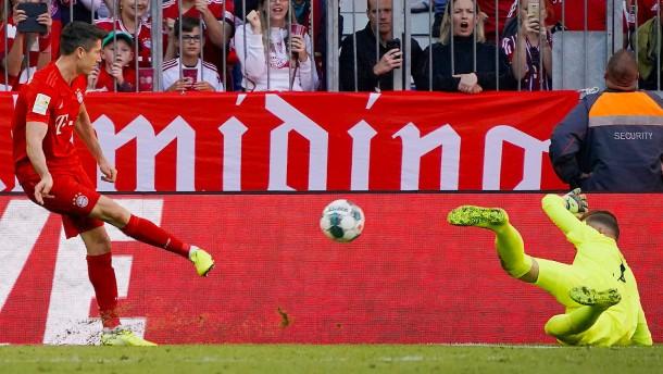 Lewandowski trifft und trifft und gönnt