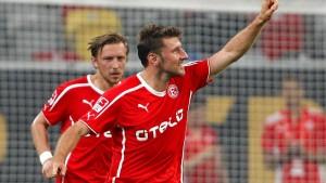 Reisinger sorgt für Düsseldorfer Sieg