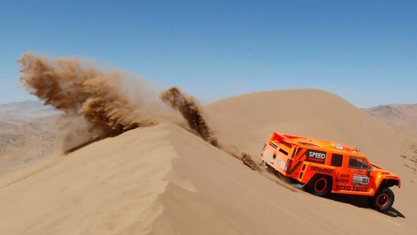 Wüstenfuchs: Robby Gordon mit seinem orangefarbenen Hummer