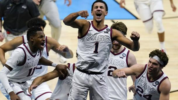 Spektakuläre Schlussszenen im Basketball-Halbfinale