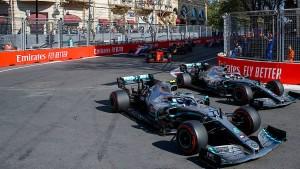 Mercedes fährt wieder allen davon