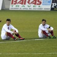 Die Spieler von Larissa und Acharnaikos verweigern für zwei Minuten das Fußballspielen