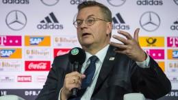 """Türken beklagen """"diffamierende Aussagen"""" von DFB-Chef"""