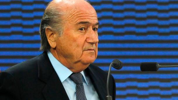 Bin Hammam gesperrt, Blatter angeschlagen