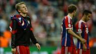 Wehmut im Blick: Bastian Schweinsteiger und seine Bayern hadern