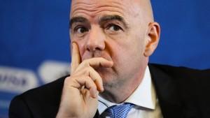 """""""Das sprengt die Dimension Blatter"""""""