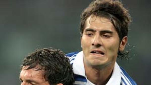 Kuranyi und Hamit Altintop lassen Schalke jubeln