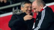 Zwei, die sich verstehen: Herbert Hainer (links) und Uli Hoeneß im Stadion des FC Bayern 2016.