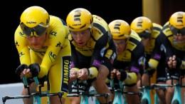Tony Martin und sein Team siegen beim Zeitfahren