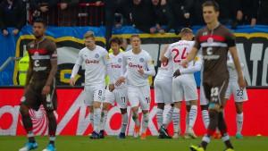 St. Pauli verpasst Sprung nach oben
