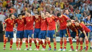 Zwei Spanier und die rote Furie