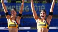 Arme hoch: Sandra Ittlinger und Chantal Laboureur sind zum Saisonende gut drauf