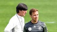 Löw vertraut Götze, Gomez auf der Bank, Neuer Kapitän